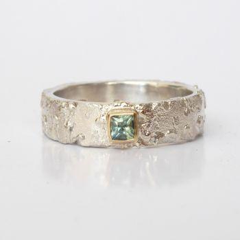 Rivda Princess Cut Sapphire Ring