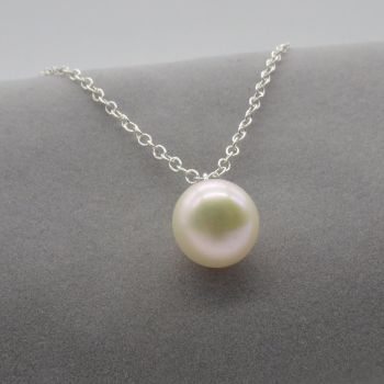 Single Pearl Pendant in White 7-8 mm