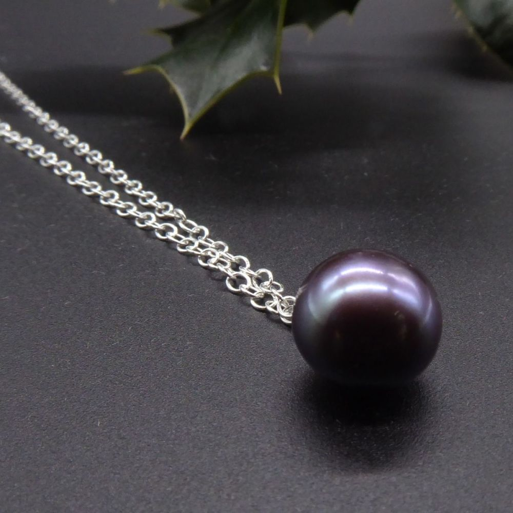 Dainty Single Black Pearl Pendant - Purple Hue - 5-6 mm