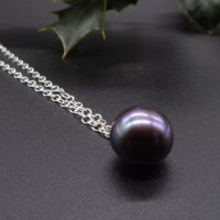 Purple Hue Single Black Peacock Pearl Necklace - 9 - 10 mm