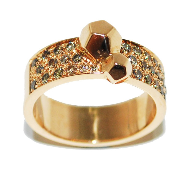 18ct rose gold ring with diamond detail by jewellery designer Ornella Iannuzzi