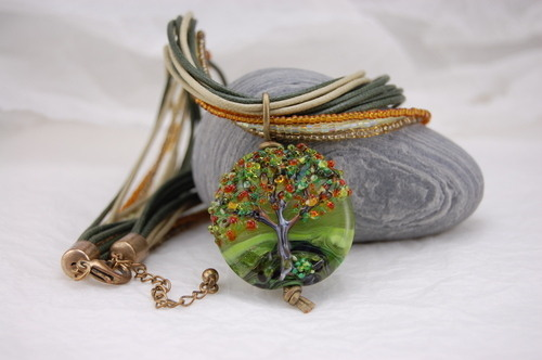 Tree bead necklace