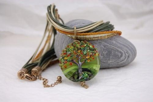 Tree bead necklace