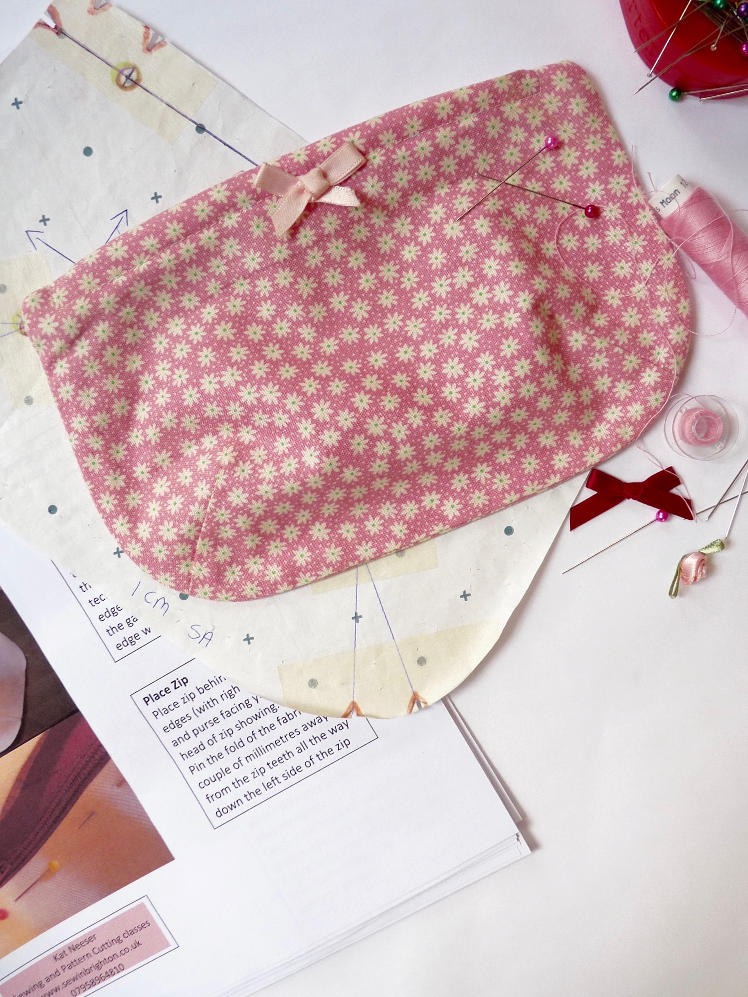 Zip Darted Purse - Beginner Sewing Project at Sew In Brighton