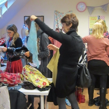 how to run a clothes swap event