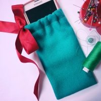 Christmas Phone Case Gift Sewing Project