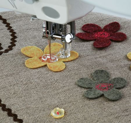 Freestyle Machine Embroidery Felt Flowers - Janome Uk