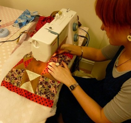 Quilting Crazy - quilting the patchwork cushion