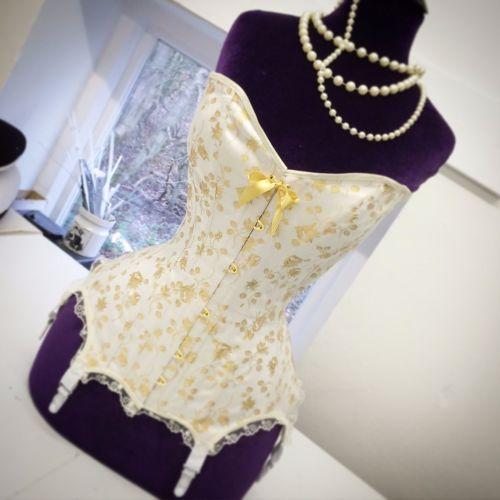 Victoria steelboned corset