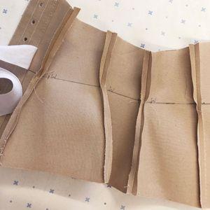 corset toile waist line is straight
