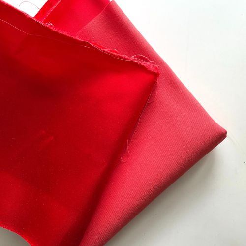 Roll end - Red satin coutil