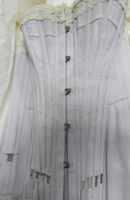 5f173b4057e Boning for corsetry