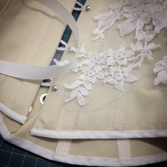 seam binding corset