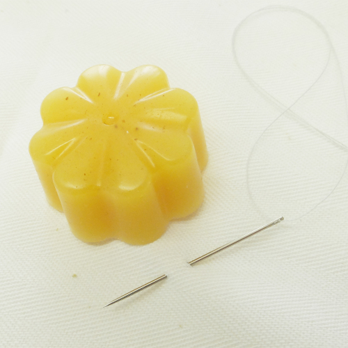 Pure beeswax for sewing
