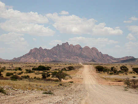 Road to Spitzkoppe copyright Brian Pink