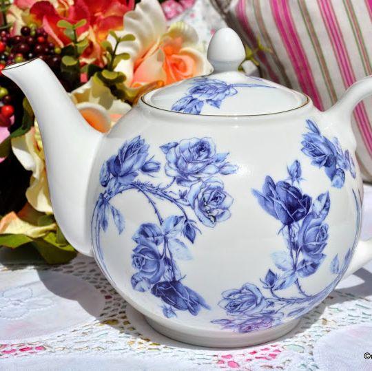 Aynsley Elizabeth Rose Blue 2 Pint Teapot