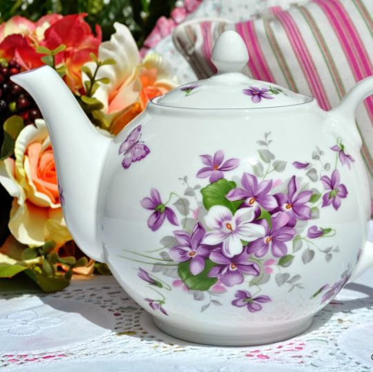 Aynsley English Violets Fine Bona China 2 Pint Teapot