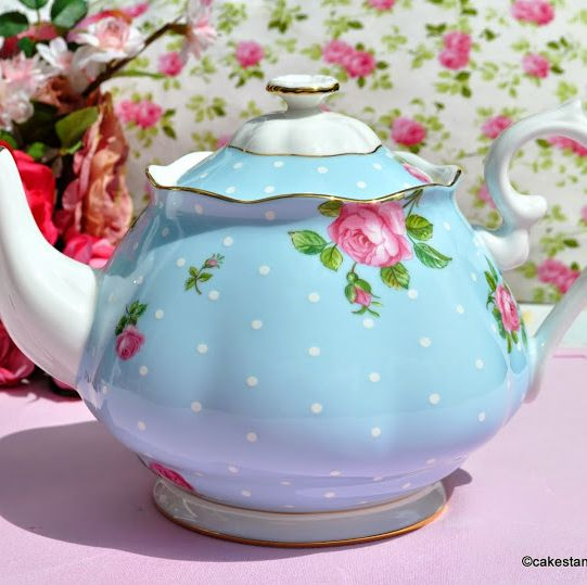 Royal Albert Blue Polka Dot and Pink Roses 2 Pint China Teapot