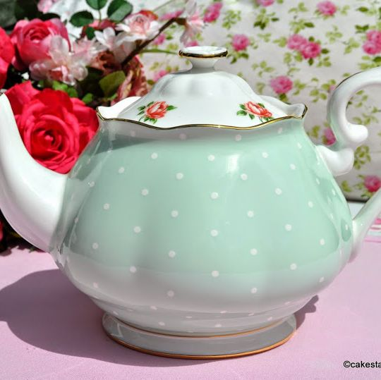 Royal Albert Green Polka Dot and Pink Roses 2 Pint China Teapot