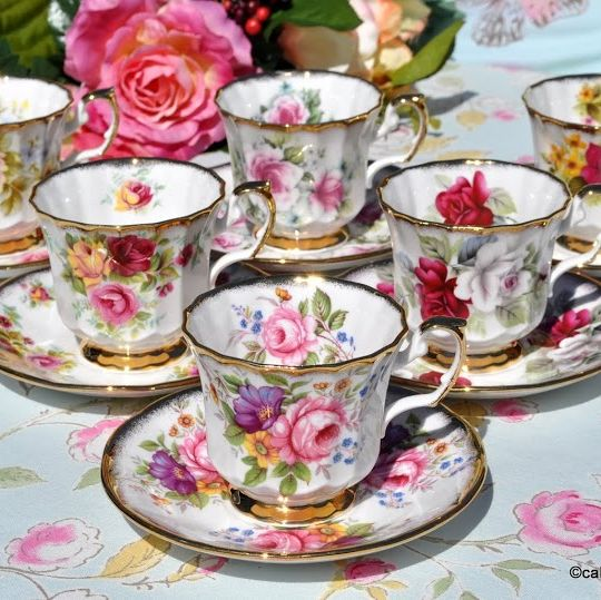 Elizabethan Fine Bone China Vintage Teacups and Saucers Set of Six