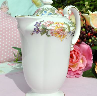 Paragon Country Lane Vintage One Pint Teapot c.1950s