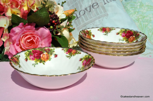 Royal Albert Old Country Roses Dessert Dishes Set c.1960s