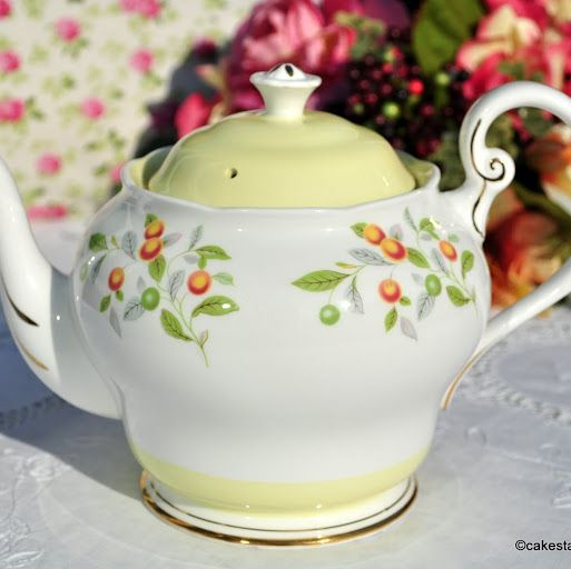 Roslyn Orange Grove Large Fine Bone China 2 Pint Teapot c.1960s