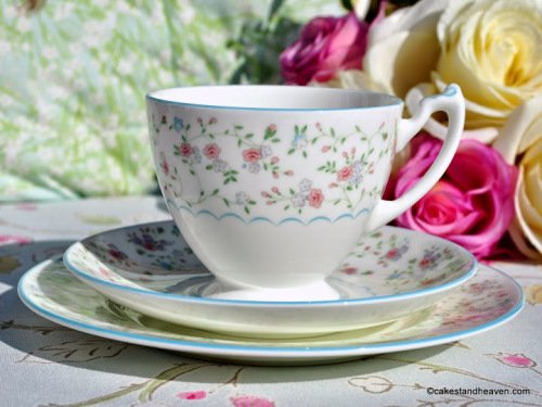 Coalport Mignon Ditsy Pink and Blue Flowers and Pale Blue Rims Teacup Trio