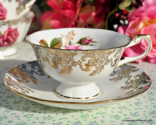 Queen's Pink Roses and Old Lace Fine Bone China Teacup and Saucer