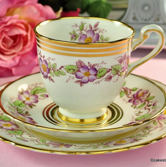 New Chelsea Old England Vintage Fine Bone China Teacup Trio c.1936+