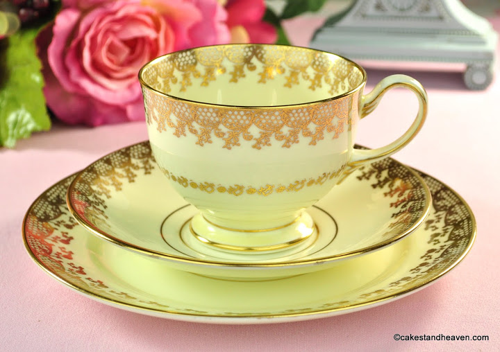 Collingwoods Cream And Gold Lace Teacup Trio C 1940
