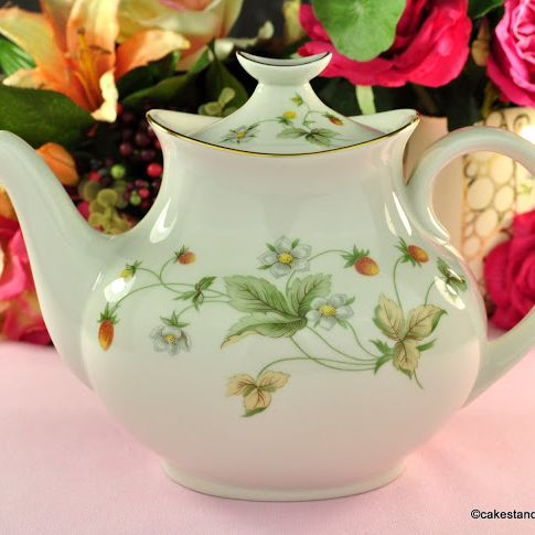 Royal Doulton Strawberry Cream Fine China 2 Pint Teapot