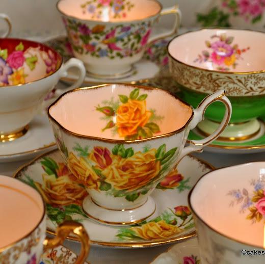 <!--015-->Vintage Teacup Candles