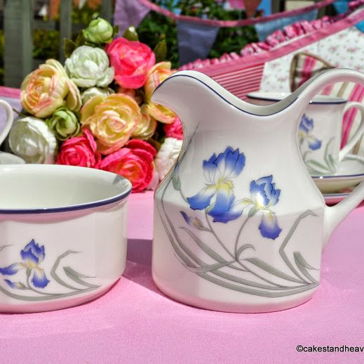 Royal Doulton Minerva Pattern LS1804 Milk Jug and Sugar Bowl