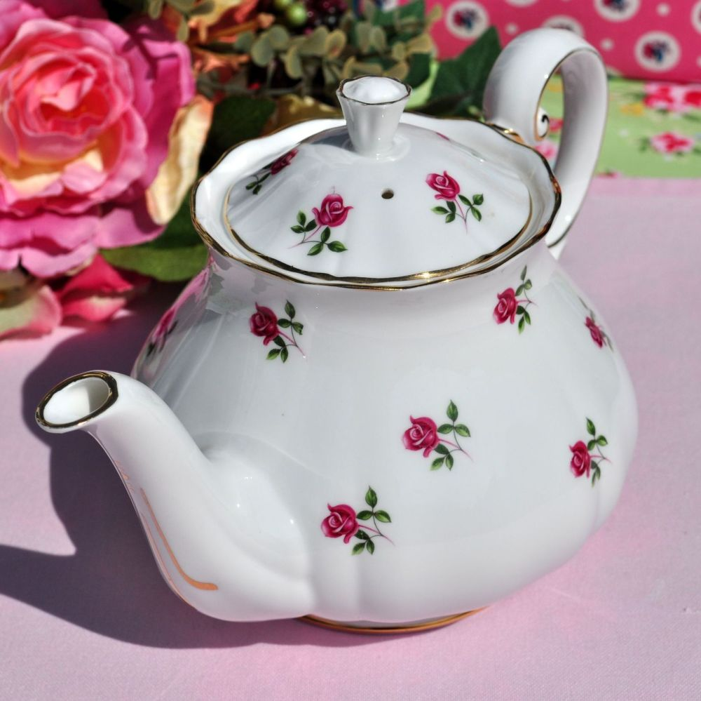 Colclough Fragrance Ditsy Roses Pattern