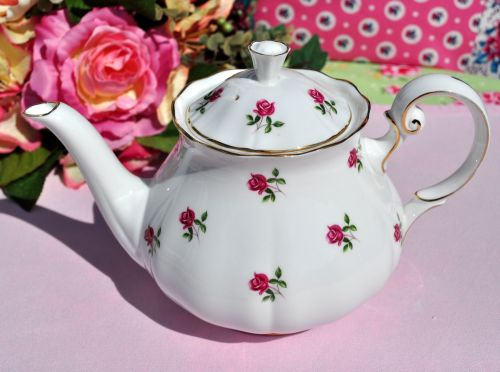 Colclough Fragrance Vintage Bone China Teapot