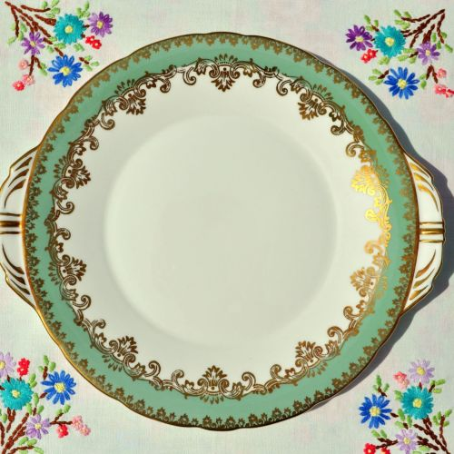 Aynsley Fern Green and Gold Vintage China Cake Plate
