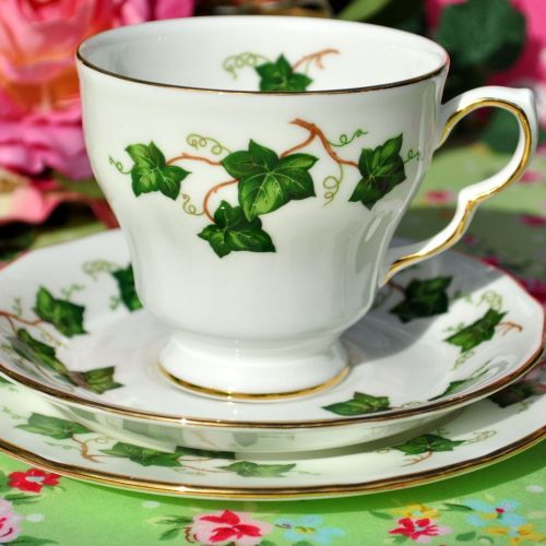 Colclough Ivy Leaf Teacup Trio with Round Tea Plate