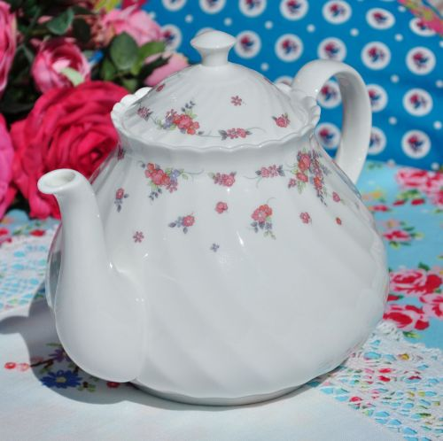 Picardy 2 .5 Pint Vintage Bone China Teapot