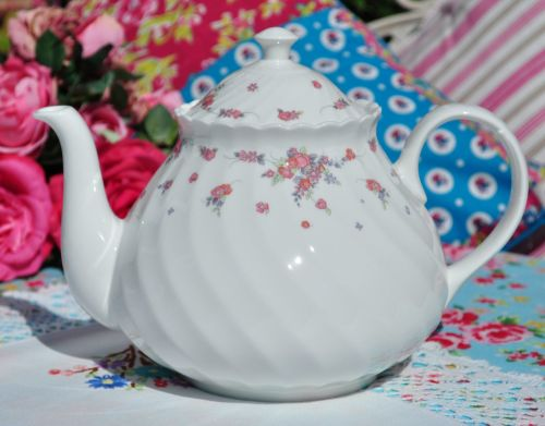 Wedgwood Picardy Vintage Bone China Teapot