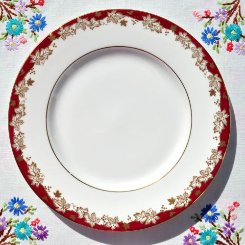 Royal Doulton Winthrop H.4969 Fine Bone China Cake Plate