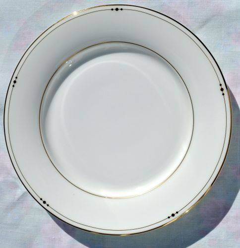 Royal Doulton Fascination Gold 22.5cm Bone China Plate c.2006