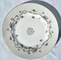 Wedgwood Flourish Ecru Bone China 22.5cm Salad Plate