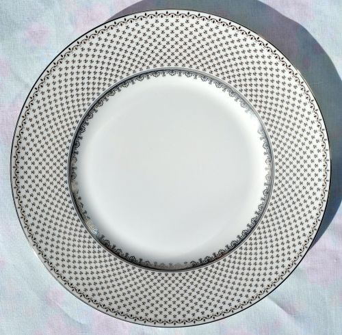 Wedgwood French Knot Silver Bone China 22.5cm Salad Plate