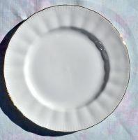 Royal Knight White Vintage Bone China 20cm Plates