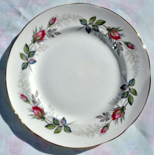 Paragon Bridal Rose Vintage China Rose Buds Pattern 20.5cm Plate