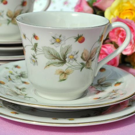Royal Doulton Strawberry Cream Pattern Teacup Trio c.1977