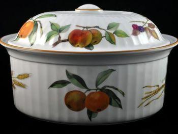 Royal Worcester Evesham 4 Pint Casserole Dish