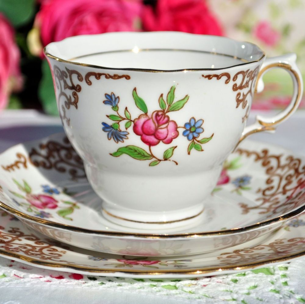 Colclough Rose Trellis Vintage China Tea Cup Trio c.1940s