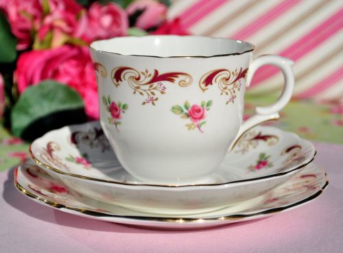 Crown Staffordshire Wentworth Vintage China Teacup Trio
